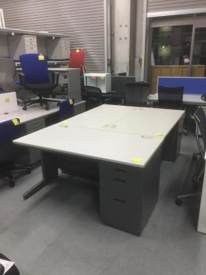 トヨスチール 1400片袖デスク3台セット 中古 オフィス家具 事務机