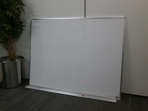 ウチダ 1200壁掛ホワイトボード 中古|オフィス家具|ホワイトボード