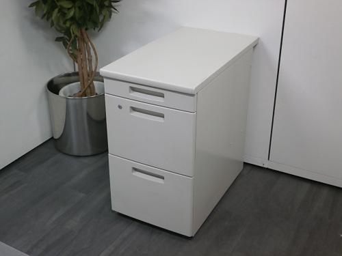 W400xD700xH700 サイドデスク 中古|オフィス家具|脇机