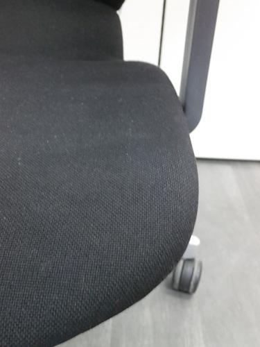 コクヨ肘付アガタAチェア2000000008170キズ有 スタンダードタイプ ブラック T型肘詳細画像3