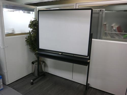 ウチダ 1200脚付ホワイトボード 中古|オフィス家具|ホワイトボード