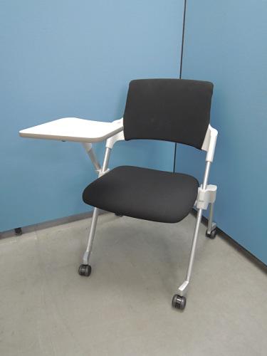 コクヨ アンフィメモ台付スタッキングチェア2脚セット 中古|オフィス家具|ミーティングチェア