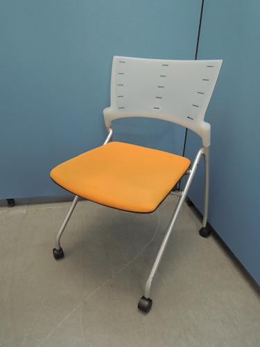イトーキ マノスネスティングチェア3脚セット 中古|オフィス家具|ミーティングチェア