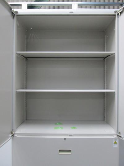 コクヨ両開きラテラル上下書庫2000000019411カギ各1本/棚板2枚/シングルベース詳細画像3