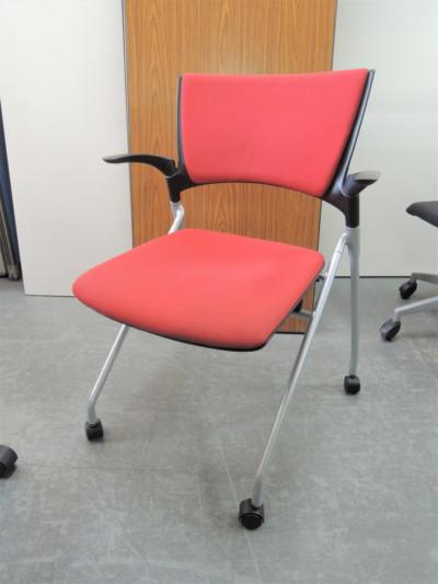 イトーキ マノスネスティングチェア2脚セット  中古 オフィス家具 ミーティングチェア