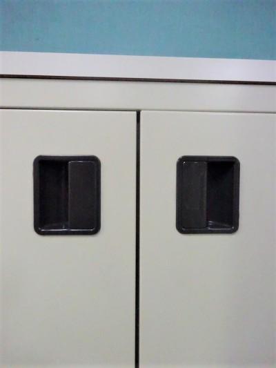 オカムラカップケース(キッチンカウンター) 2000000021264棚板2枚/キャスター付詳細画像3