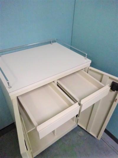 オカムラカップケース(キッチンカウンター) 2000000021264棚板2枚/キャスター付詳細画像4