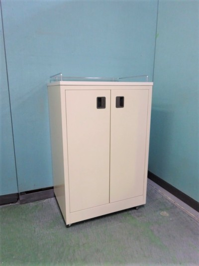 オカムラ カップケース(キッチンカウンター)  2000000021264