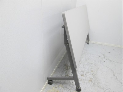 イトーキサイドスタックテーブル2000000021322ホワイトグレー/ソフトエッジ/幕板付詳細画像2