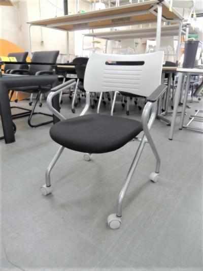 井上金庫 ネスティングチェア4脚セット  中古|オフィス家具|ミーティングチェア