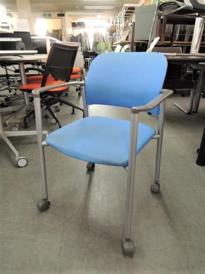 スタッキングチェア  中古|オフィス家具|ミーティングチェア|スタッキングチェア