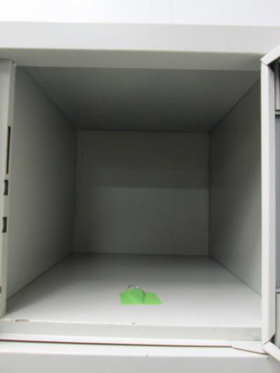 オカムラ18人用ロッカー 2000000022908取っ手ヤケ有/取っ手1個割れ有/前面キズ有り詳細画像2