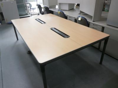 オカムラ 2400グループテーブル 2000000021246