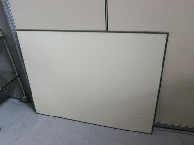 コクヨ 1200壁掛掲示板 中古|オフィス家具|壁掛けホワイトボード|その他