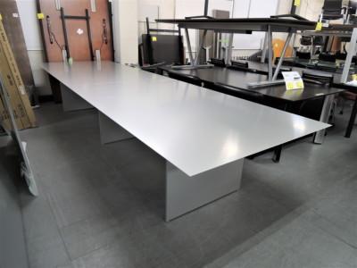 Cassina ixc(カッシーナイクスシー) エアフレームカンファレンステーブル 中古|オフィス家具|ミーティングテーブル