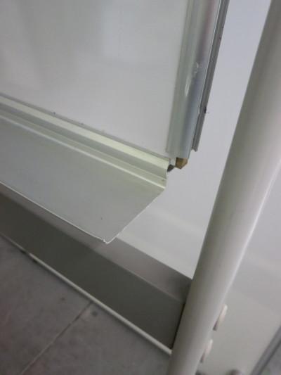 オカムラ1800脚付ホワイトボード 2000000024022板角パーツ欠品/板ヘコミ有詳細画像2