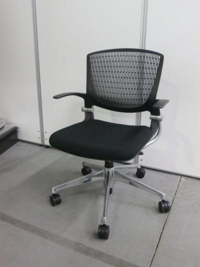 オカムラ 肘付グラータチェア6脚セット  中古|オフィス家具|ミーティングチェア