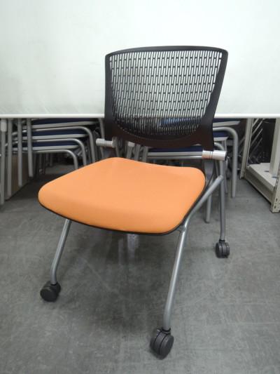 オカムラ グラータネスティングチェア  中古|オフィス家具|ミーティングチェア