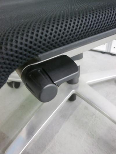 Wilkhahn(ウィルクハーン)肘付ONチェア 2000000015847アルミ脚タイプ詳細画像4