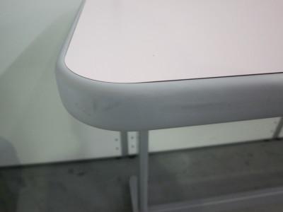 コクヨナーステーブル2000000024947フレームキズ有/エッジ汚れ少々有 詳細画像4