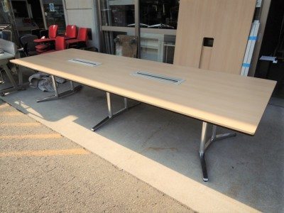 オカムラ 3600ミーティングテーブル 中古|オフィス家具|ミーティングテーブル