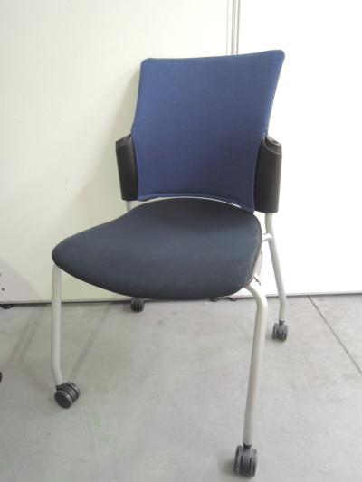 プラス スタッキングチェア6脚セット 中古|オフィス家具|ミーティングチェア