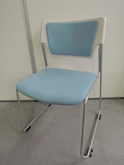 イトーキ エレックスタッキングチェア7脚セット 中古|オフィス家具|ミーティングチェア