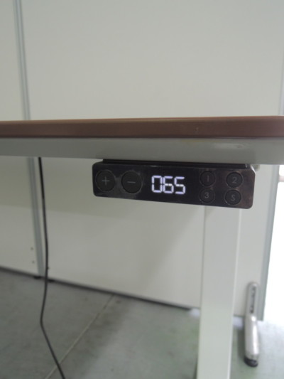 ウチダ(内田洋行)電動昇降デスク2000000028720メーカー色:ダークファインウッド詳細画像3