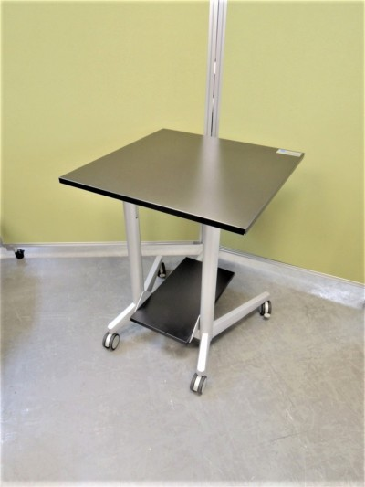 bene/ベネ サイドテーブル  中古 オフィス家具 役員用家具 デザイナーズ家具