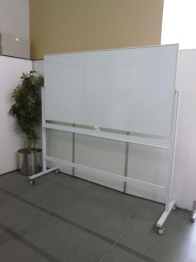 プラス 1800脚付ホワイトボード 中古|オフィス家具|ホワイトボード|脚付きホワイトボード
