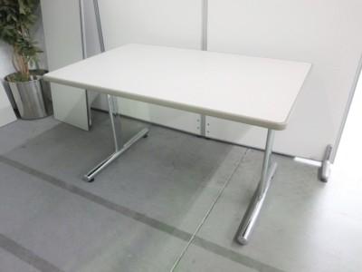 オカムラ  ミーティングテーブル 2000000032062