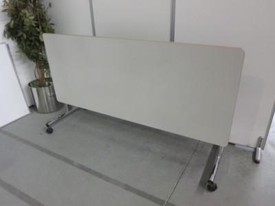 オカムラサイドスタックテーブル 2000000032085キズ有/脚カバーキャップ欠品詳細画像3