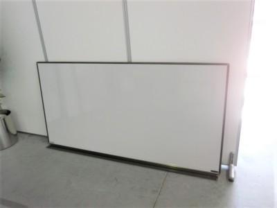オカムラ 1800壁掛ホワイトボード  中古|オフィス家具|ホワイトボード