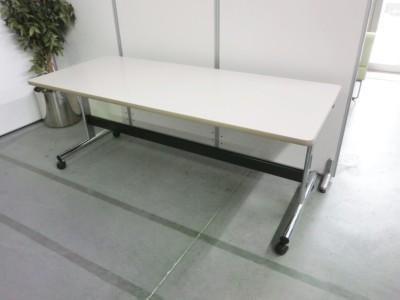 オカムラ サイドスタックテーブル  中古 オフィス家具 ミーティングテーブル