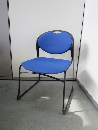 イトーキ スタッキングチェア6脚セット 中古|オフィス家具|ミーティングチェア|スタッキングチェア