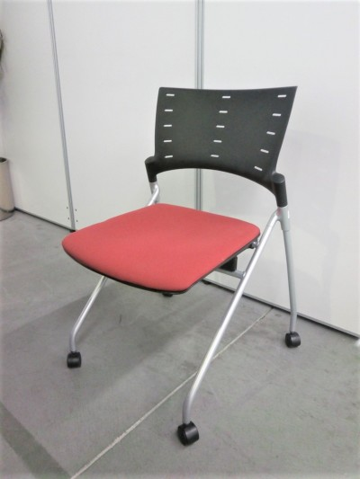 イトーキ  マノスネスティングチェア2脚セット  中古|オフィス家具|ミーティングチェア