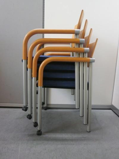 ウィスナーハーガー  スタッキングチェア4脚セット 中古|オフィス家具|ミーティングチェア|スタッキングチェア