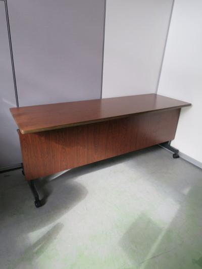 イトーキ サイドスタックテーブル  中古|オフィス家具|ミーティングテーブル|サイドスタックテーブル