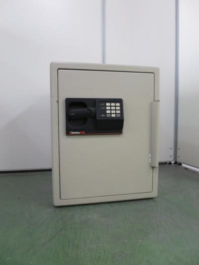 Sentry Safe 70.8kg耐火金庫  中古 オフィス家具 その他オフィス家具 金庫