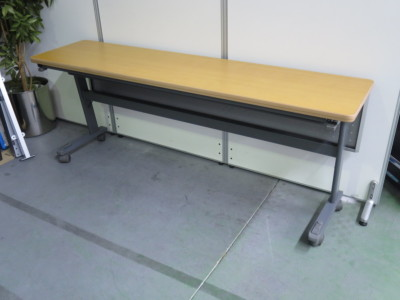 ナイキサイドスタックテーブル 2000000036885エッジ・天板・脚キズ有詳細画像2