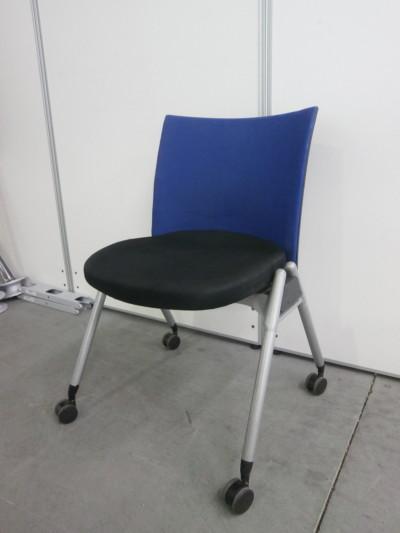 ウチダ(内田洋行) スタッキングチェア4脚セット 中古|オフィス家具|ミーティングチェア|スタッキングチェア