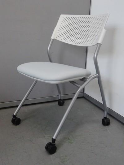 ウチダ(内田洋行) ネスティングチェア6脚セット+1脚おまけ 中古|オフィス家具|ミーティングチェア