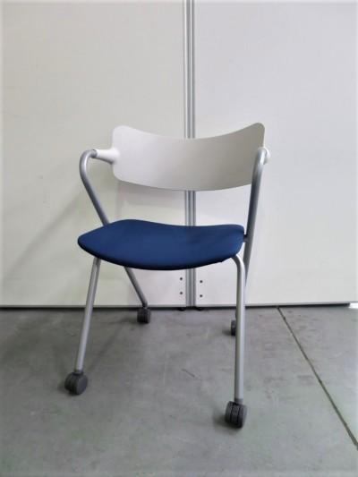 ウチダ(内田洋行) ネスティングチェア4脚セット 中古|オフィス家具|ミーティングチェア|スタッキングチェア