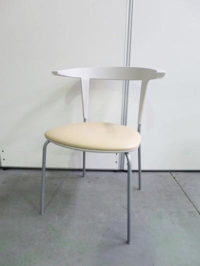 ウチダ(内田洋行) スタッキングチェア 中古|オフィス家具|ミーティングチェア|スタッキングチェア