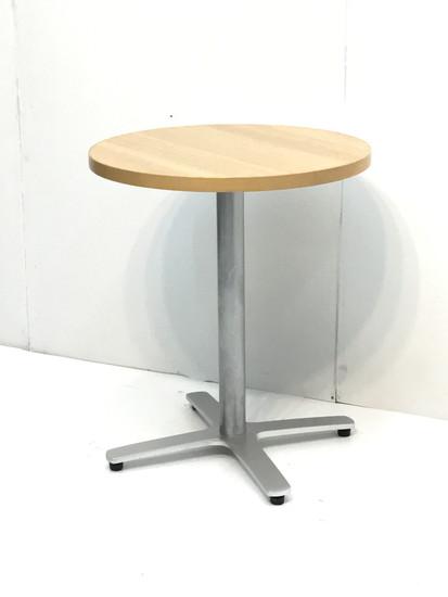 店舗用テーブル 丸型買取しました!