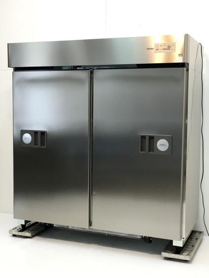 大和冷機 スライド扉縦型冷蔵庫買取しました!