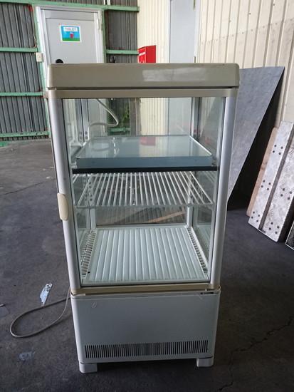 サンデン 温蔵冷蔵4面冷蔵ショーケース買取しました!
